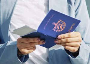 Pasaporte cubano en Miami