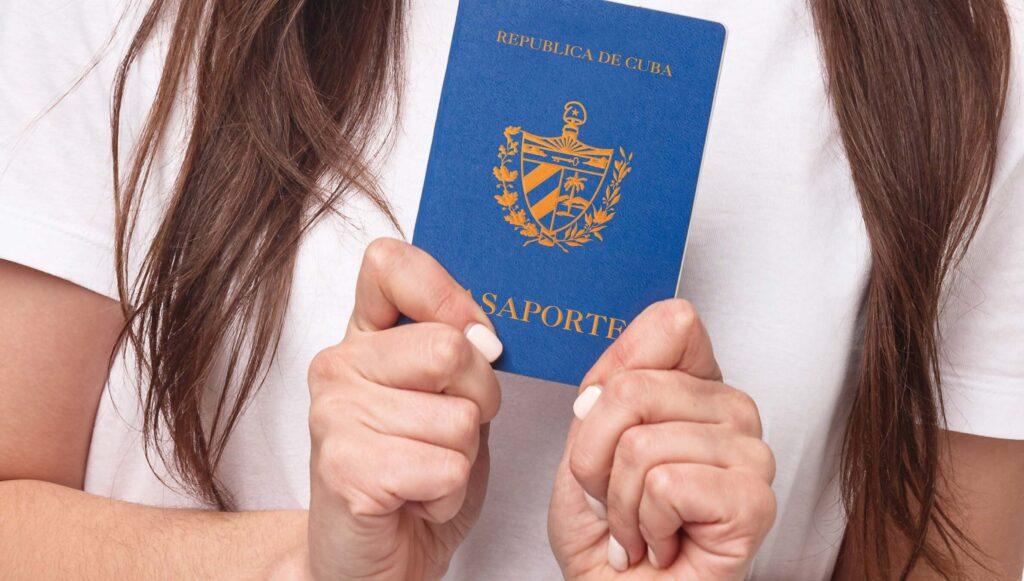 ¿Cómo solicitar el pasaporte cubano en Estados Unidos?